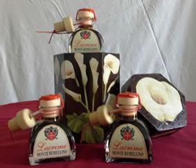 Condimento balsamico prodotto esclusivamente da uve aziendali a Castelvetro di Modena